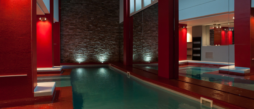 italy_bardonecchia_hotel_rive_indoor_pool.jpg